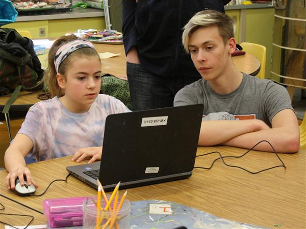 Lindbergh students practicing 3D modeling on laptops