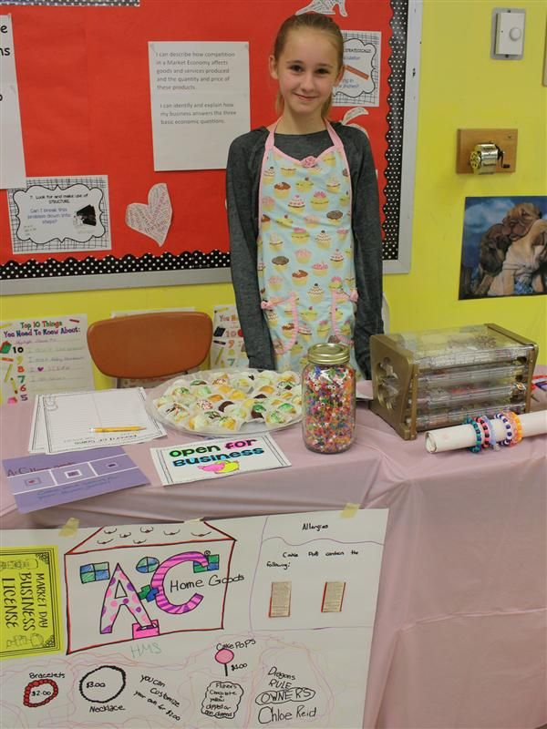 Hoover Middle School student during Market Day