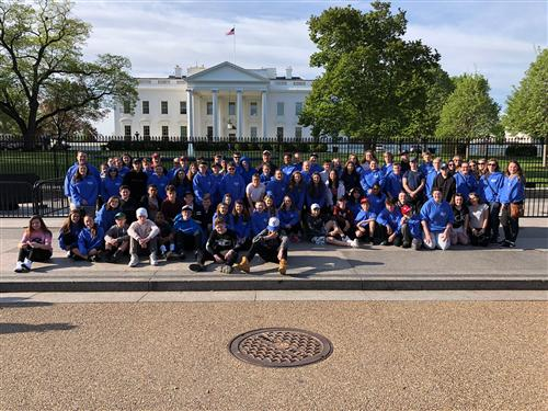 Group picture in front of White House