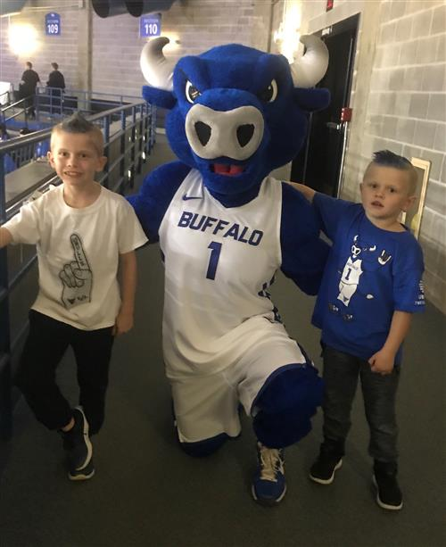 Students with UB mascot