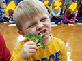 Edison Students Try New Fruits & Vegetables