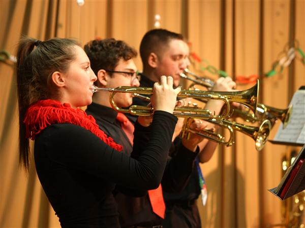 Kenmore West Instrumentalists Perform Special Holiday Concert, Instrument Demo at Lindbergh